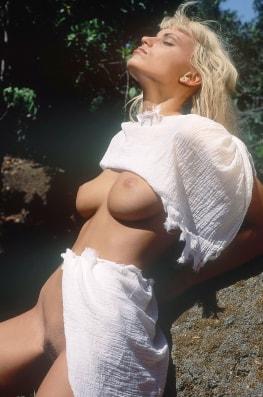 Anita Blond, Wild Girl-3