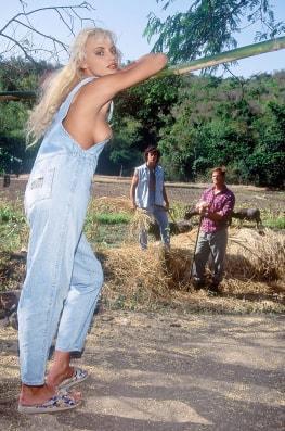 Anita Blond, Rebellion on the Animal Farm-1