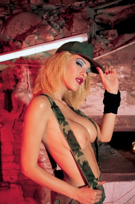 Celia Blanco and the Soldiers-0
