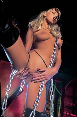 Nikky Blond's on Fire-1