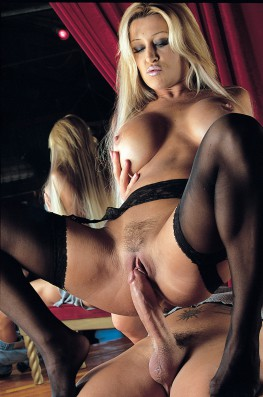 Jill Kelly, Dancing with the Bomb-5