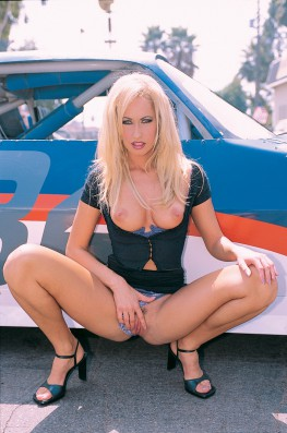 Sophie Evans Pays the Garage-0