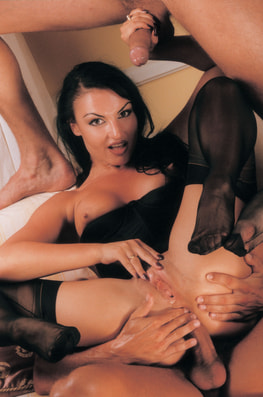 Laura Angel & Fovea, Perverted Godesses-8