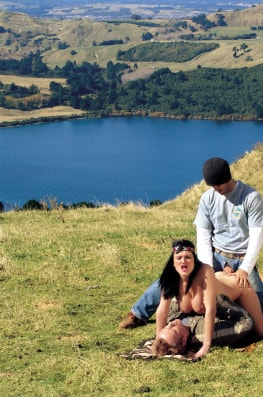 Donna Marie, Threesome in New Zeland-7