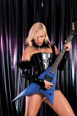 Claudia Rossi & Ellen Saint, Power Chords-1