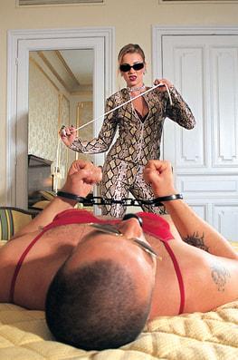 Claudia Claire, Femme Fatal-3