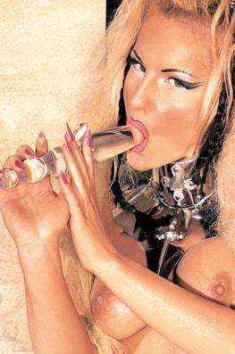 The Legend of Angela Crystal-1