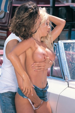 Hot Car Wash with Stefania Bruni-2