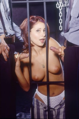 Vanda, Threesome in Prision with the Cops-6