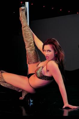 Kelly Steele. Steel Dancer-1