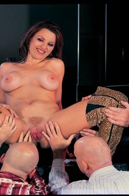 Kelly Steele. Steel Dancer-2