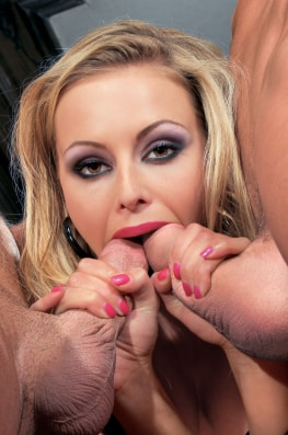 Liliane Tiger and her Slaves-6