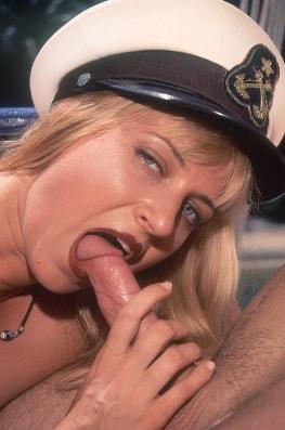 Laura Palmer, Born to Fuck-3