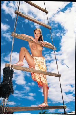 Sailing With Maya Gold & Claudia Rossi-3