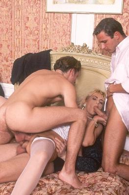Monikat, Whore de Luxe-6